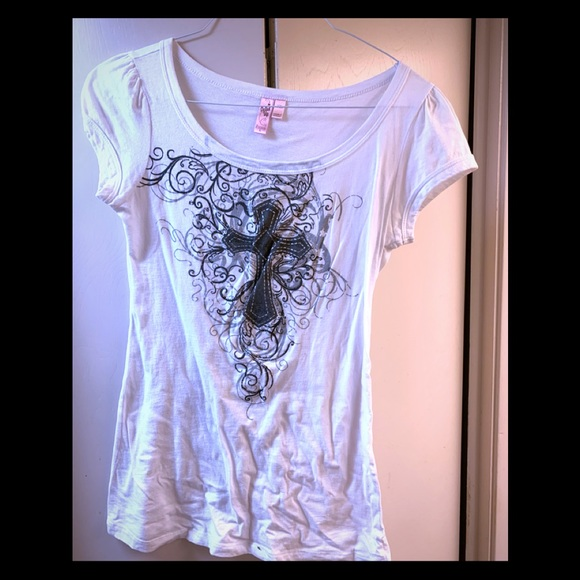 Dolled Up Tops - Dolled Up cross T-shirt